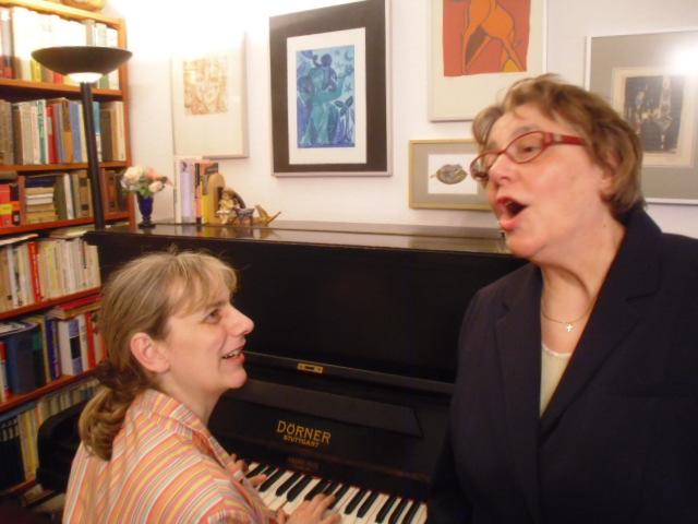 Musik mit Klavier und Gesang